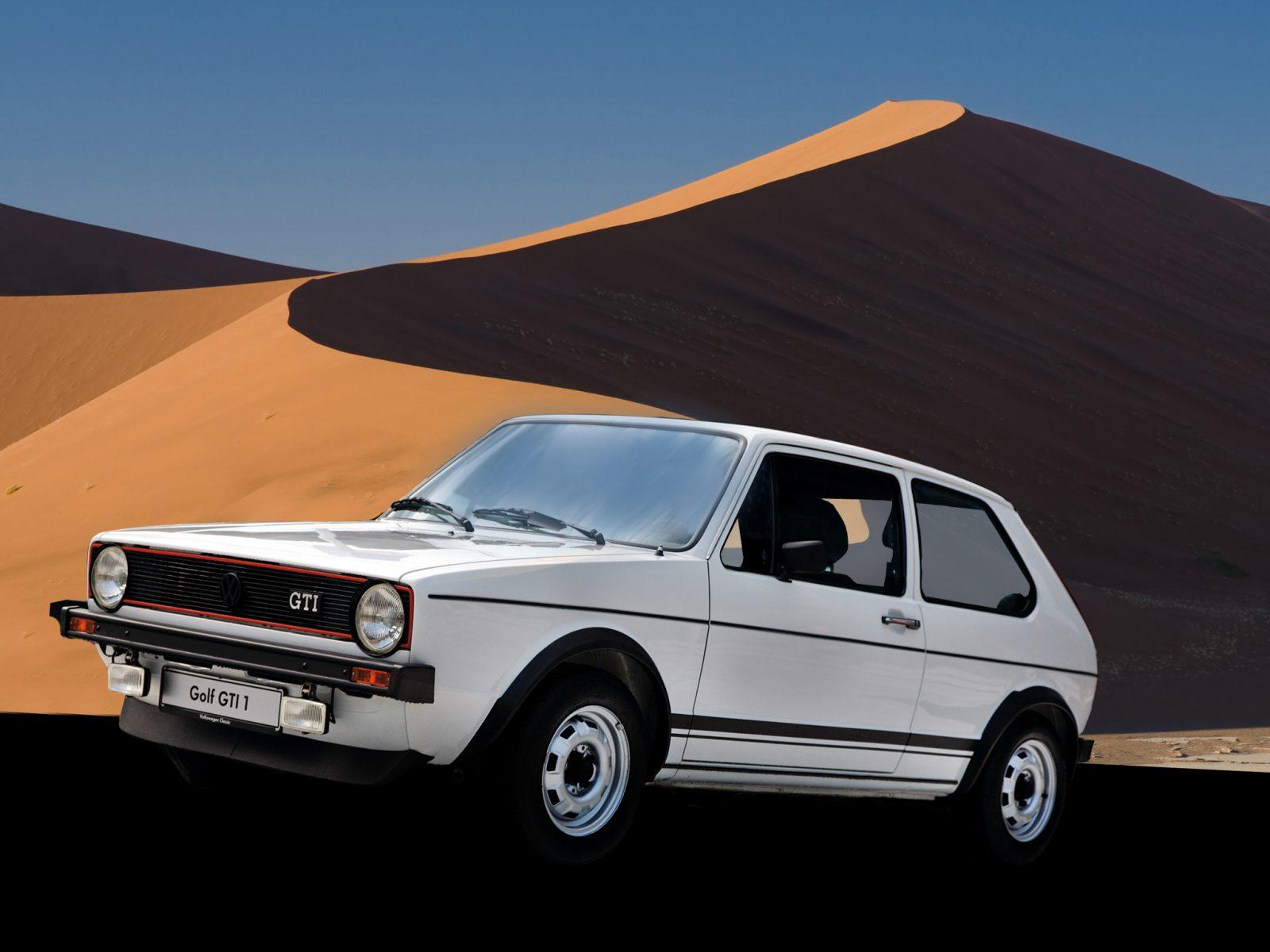 volkswagen golf gti mk1 branco lateral nas dunas
