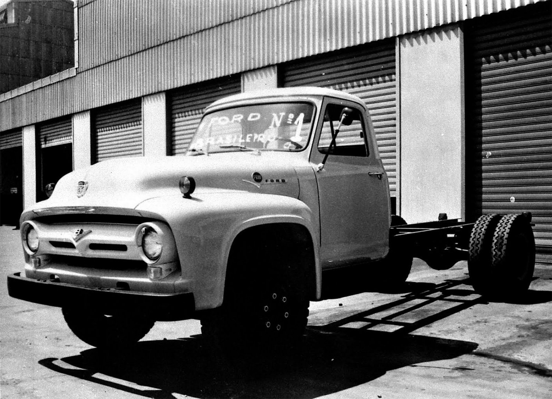 ford f 600 primeiro caminhao da marca fabricado no brasil