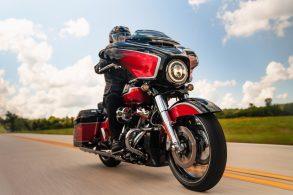 """Harley-Davidson """"muda sem mudar"""" na linha 2021"""
