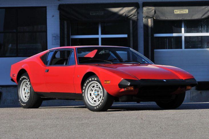 frente do de tomaso pantera 1974 vermelho