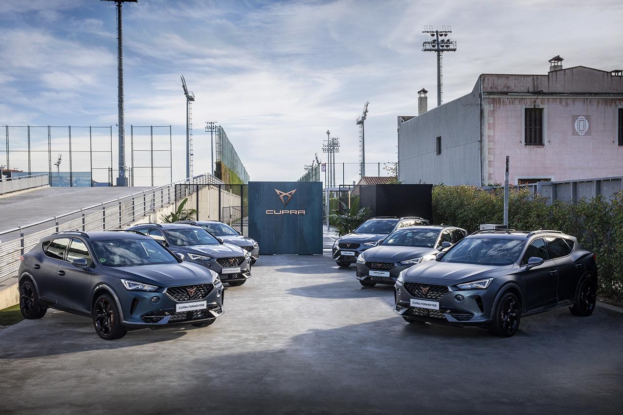 carros seat cupra entregues a jogadores do barcelona em 2021