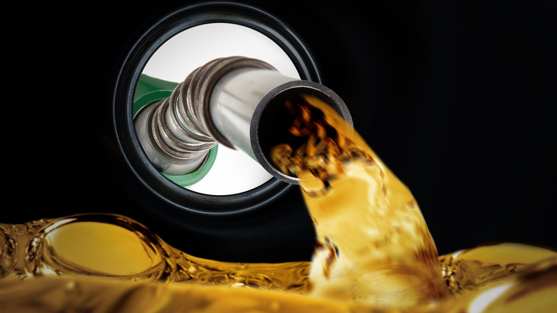 gasolina tamque qual evitar abastecer shutterstock 308023943