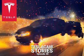 Tesla Model 3 'flagra' acidente insano envolvendo Dodge Challenger