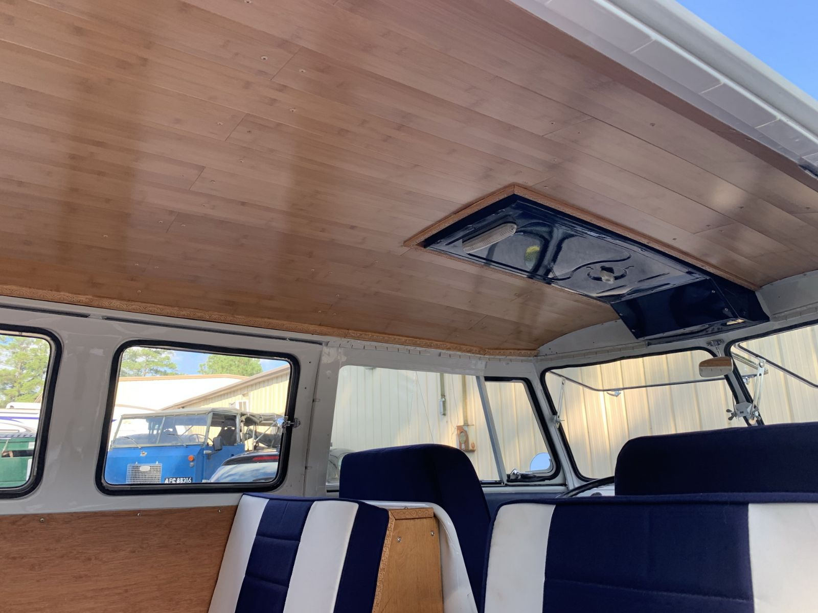 teto de volkswagen kombi 1965 restaurada