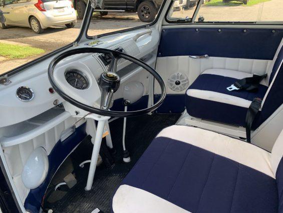 volante de volkswagen kombi 1965 azul marinho restaurada em 2019