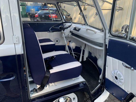 cabine de kombi 1965 azul marinho restaurada em 2019