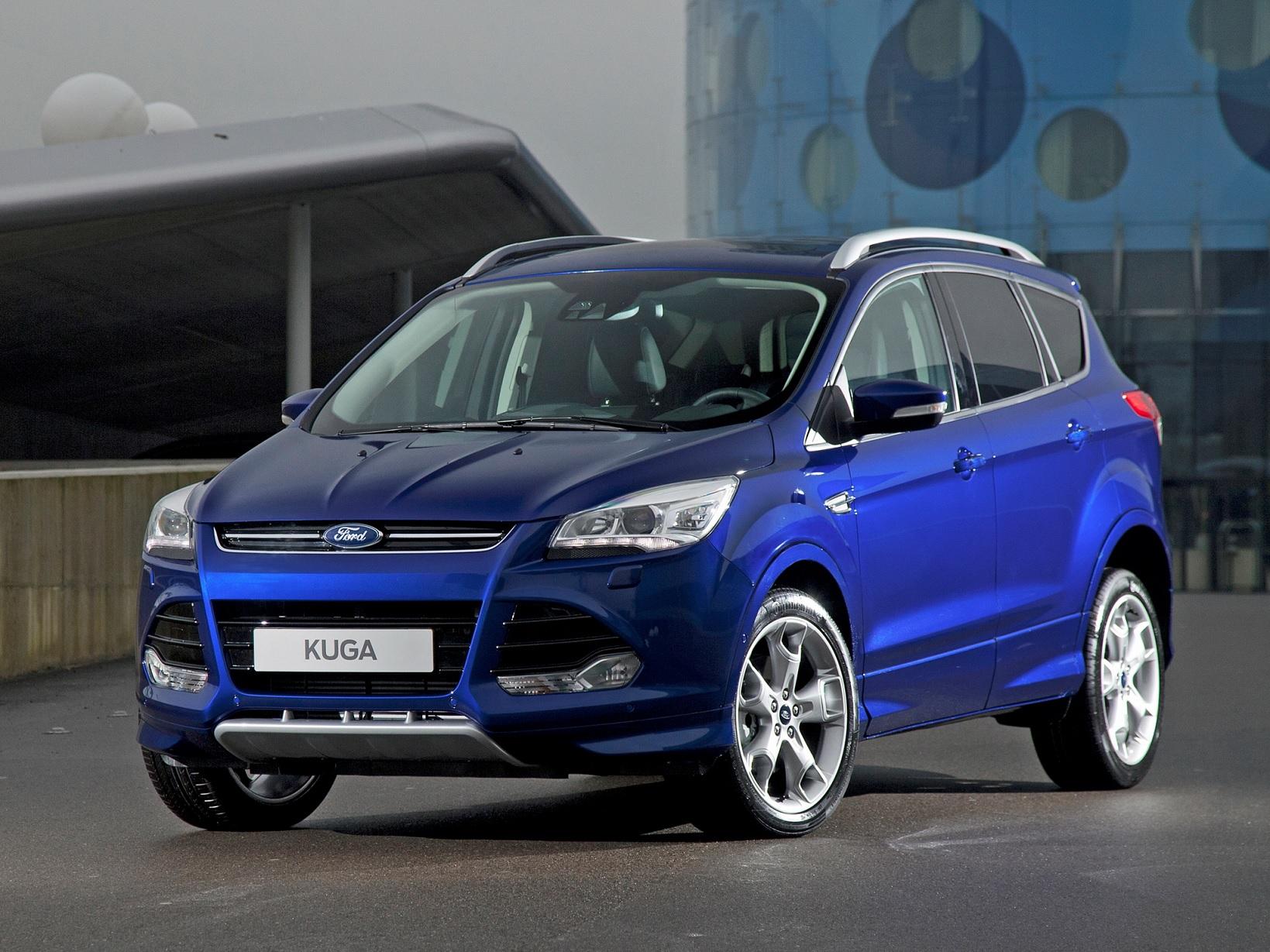 ford kuga titanium plus azul de frente
