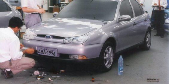 modelo em clay do hatch compacto ford autolatina baseado no gol