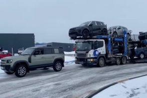 [Vídeo] Land Rover Defender 'salva' cegonheira carregada presa na neve