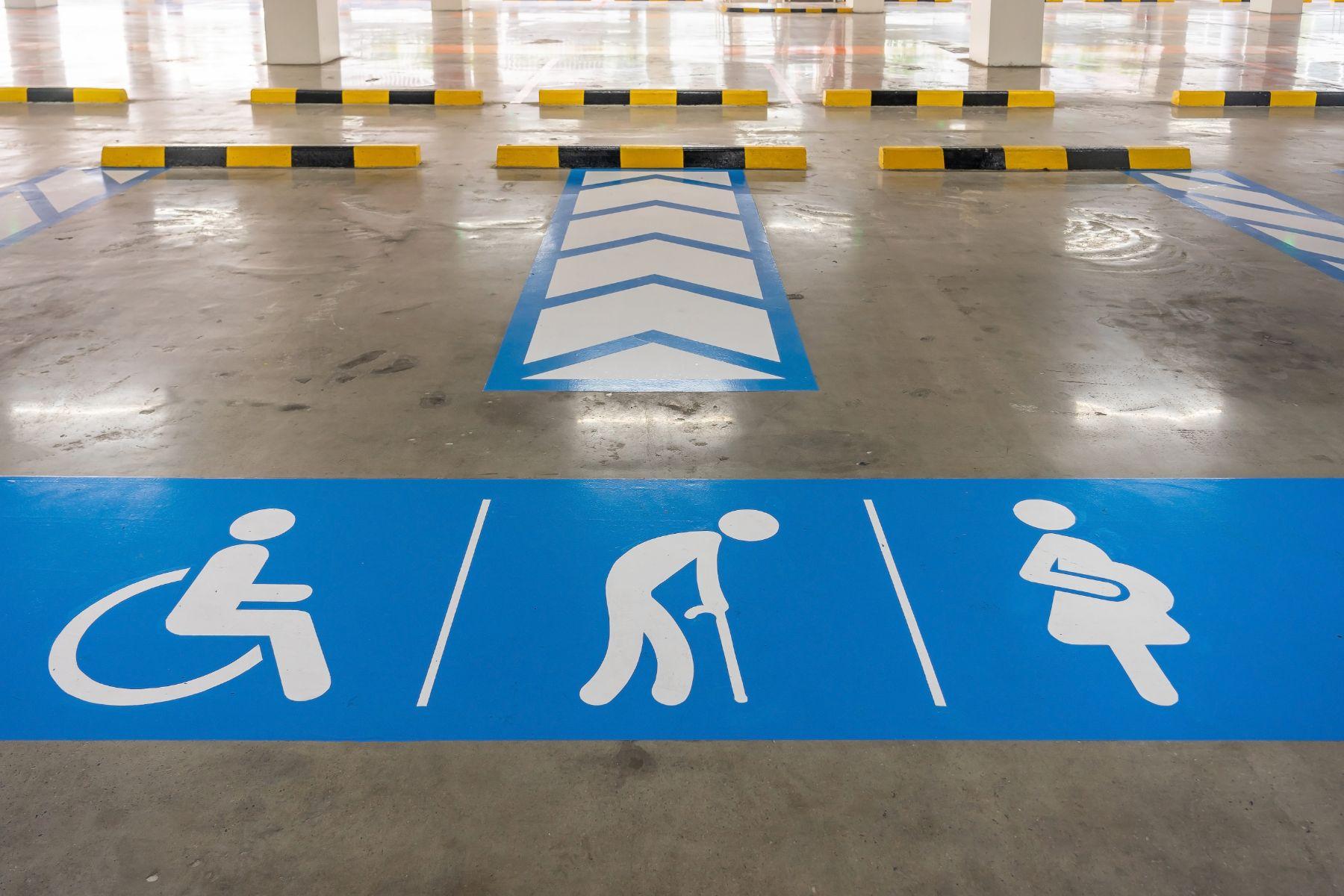 vagas de estacionamento para gestantes idosos e pessoas com deficiencia pcd