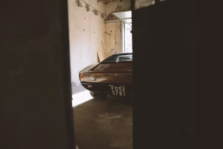 lamborghini miura sv resgatado de garagem na italia