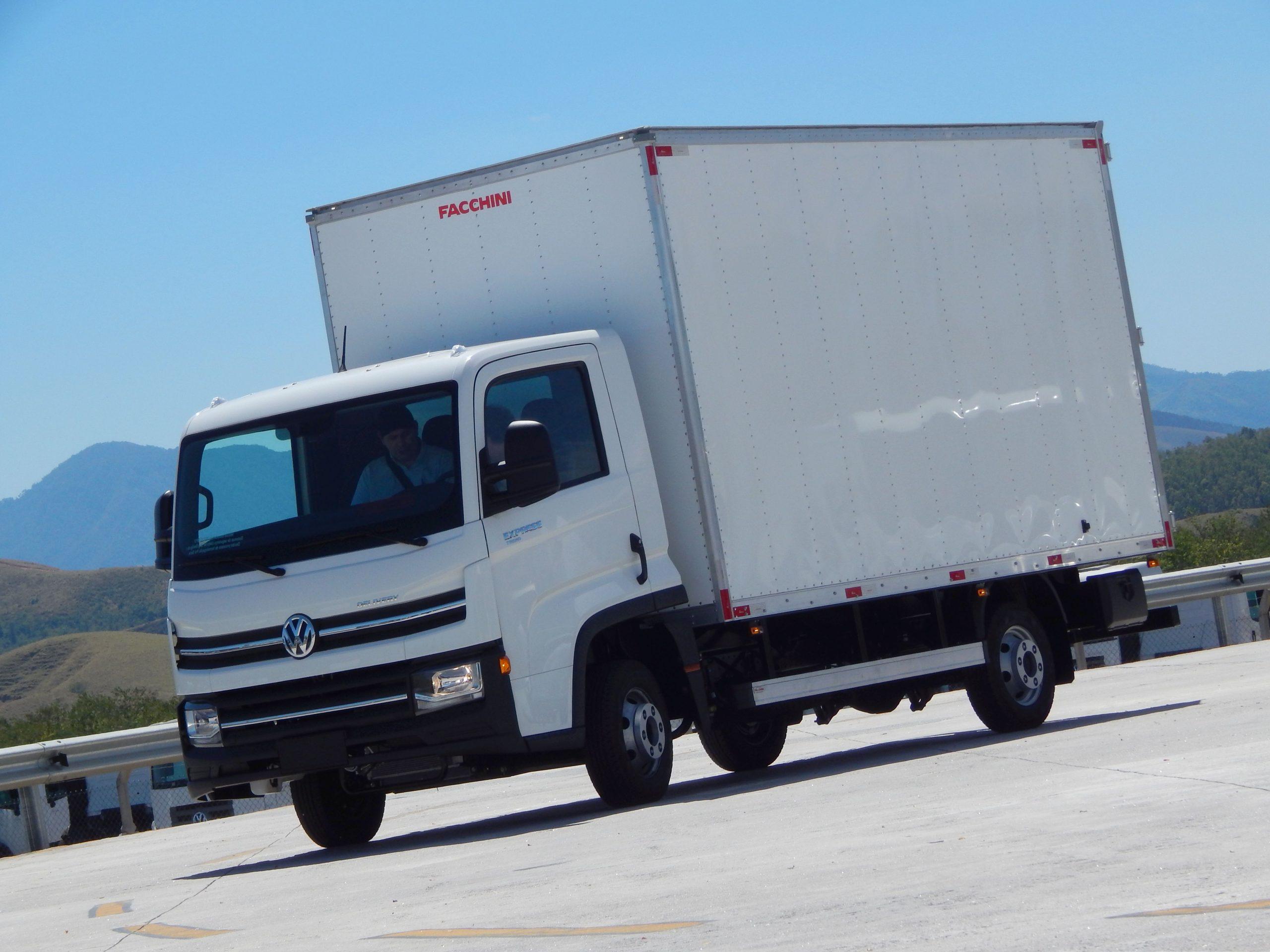 caminhão volkwagen delivery
