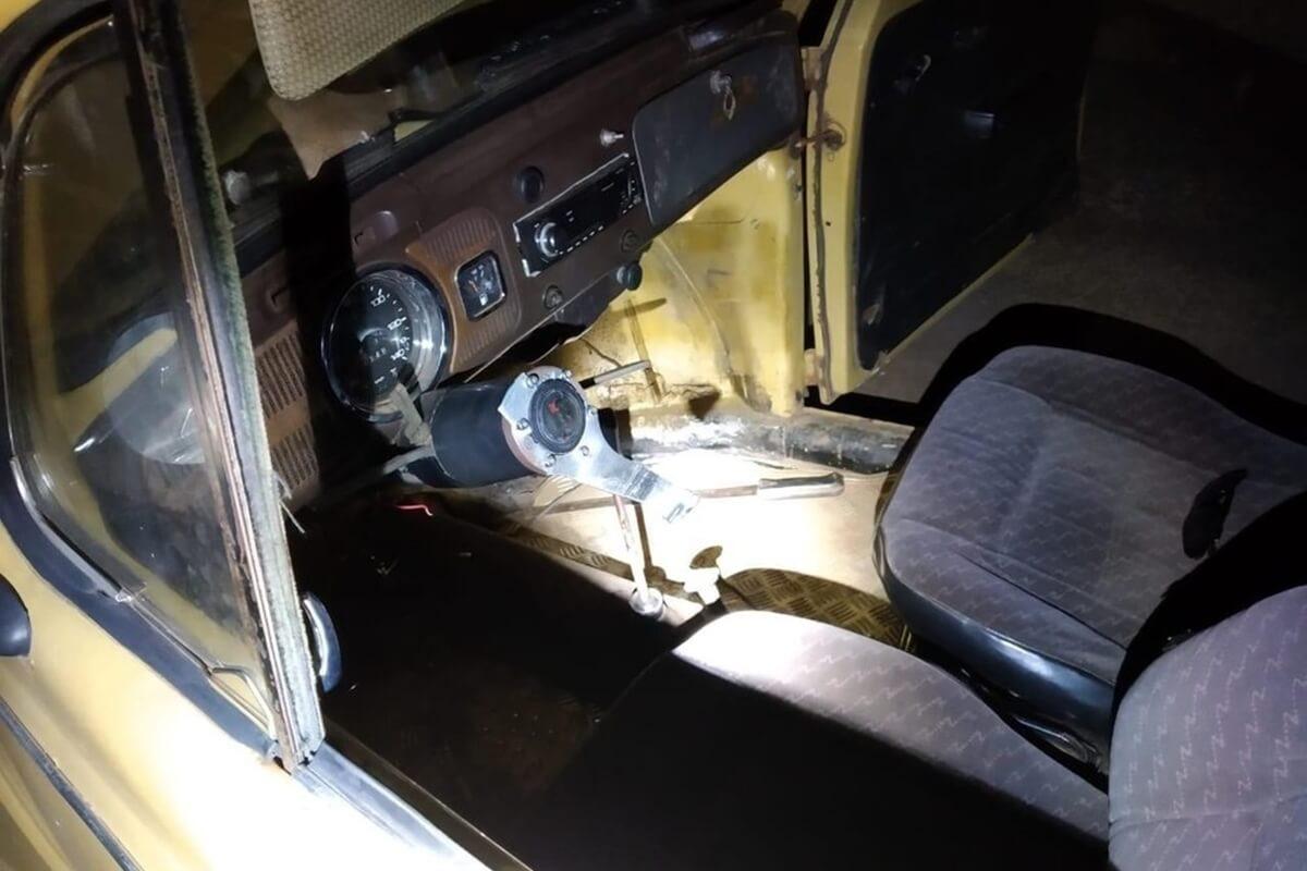 dirigir o carro fusca sem volante cnh bebado