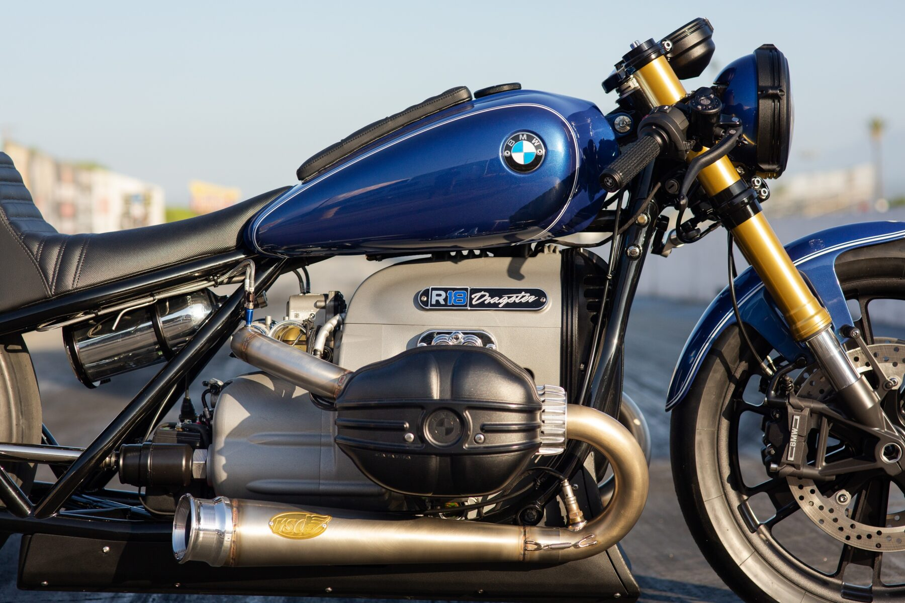 bmw r18 customizada 19 roland sands dragster