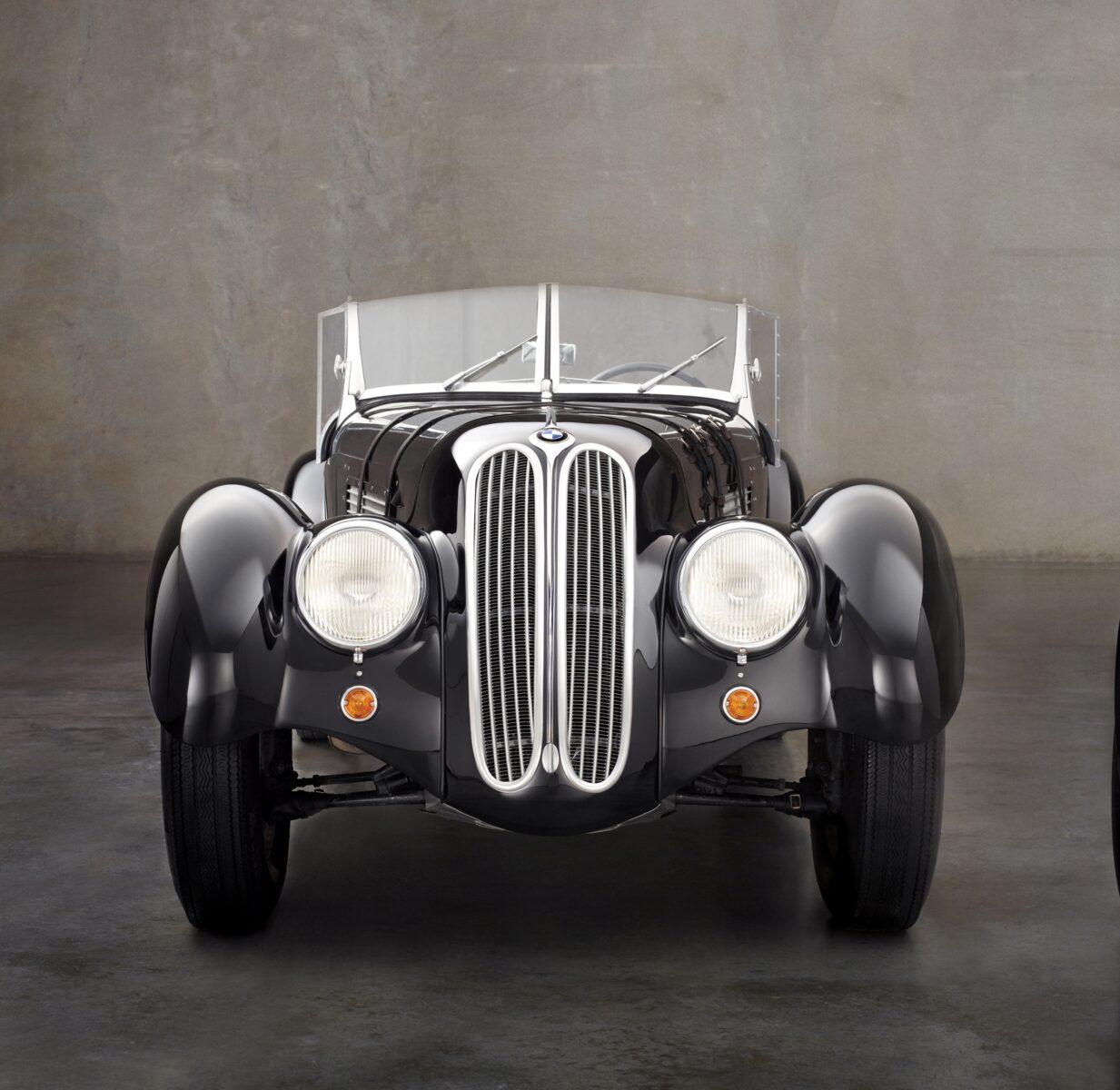 bmw r18 customizada 22 modelo roadster 328 que inspirou a spirit of passion