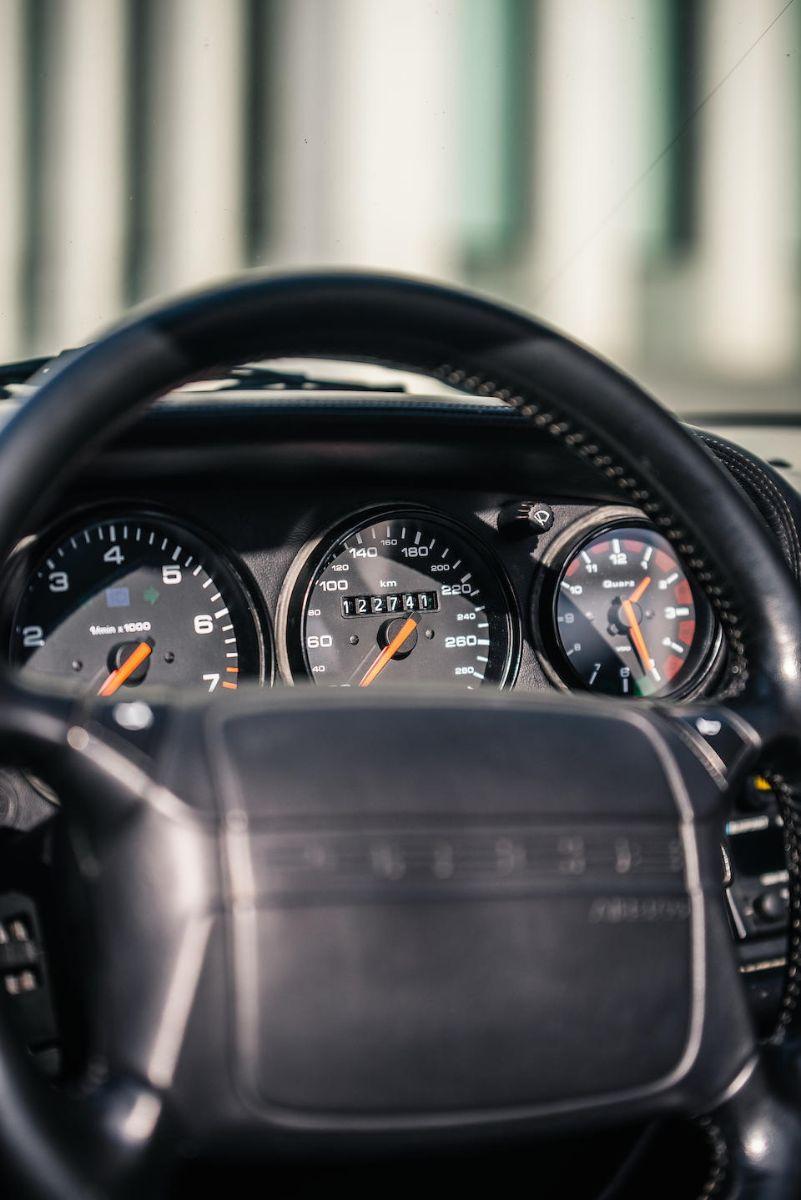 painel do porsche 911 1992 conversivel de diego maradona
