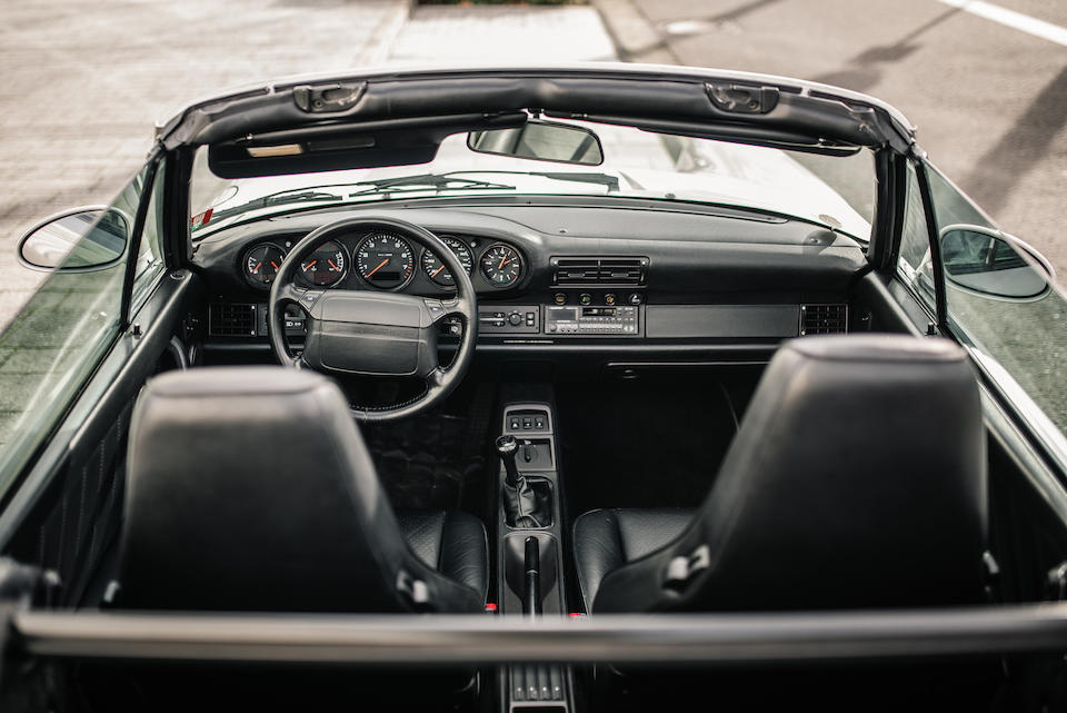 interior de porsche 911 1992 de diego maradona