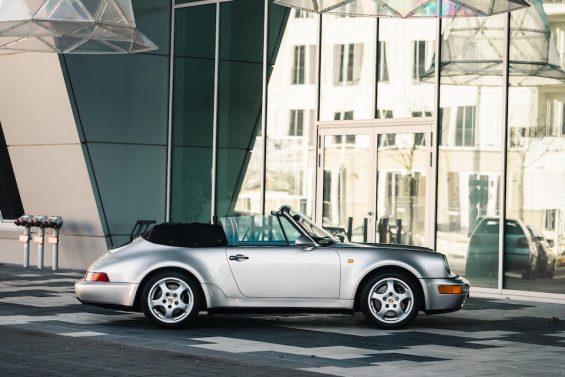 porsche 911 conversivel prata de diego maradona visto de lado