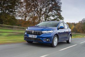Novo Renault Sandero e sedã Logan têm projeto suspenso e viram dúvida