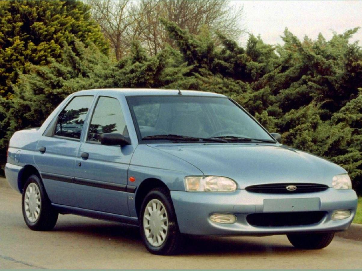 ford escort sedan azul de frente