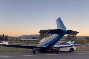 Veja o vídeo: carro é atingido por avião na Califórnia