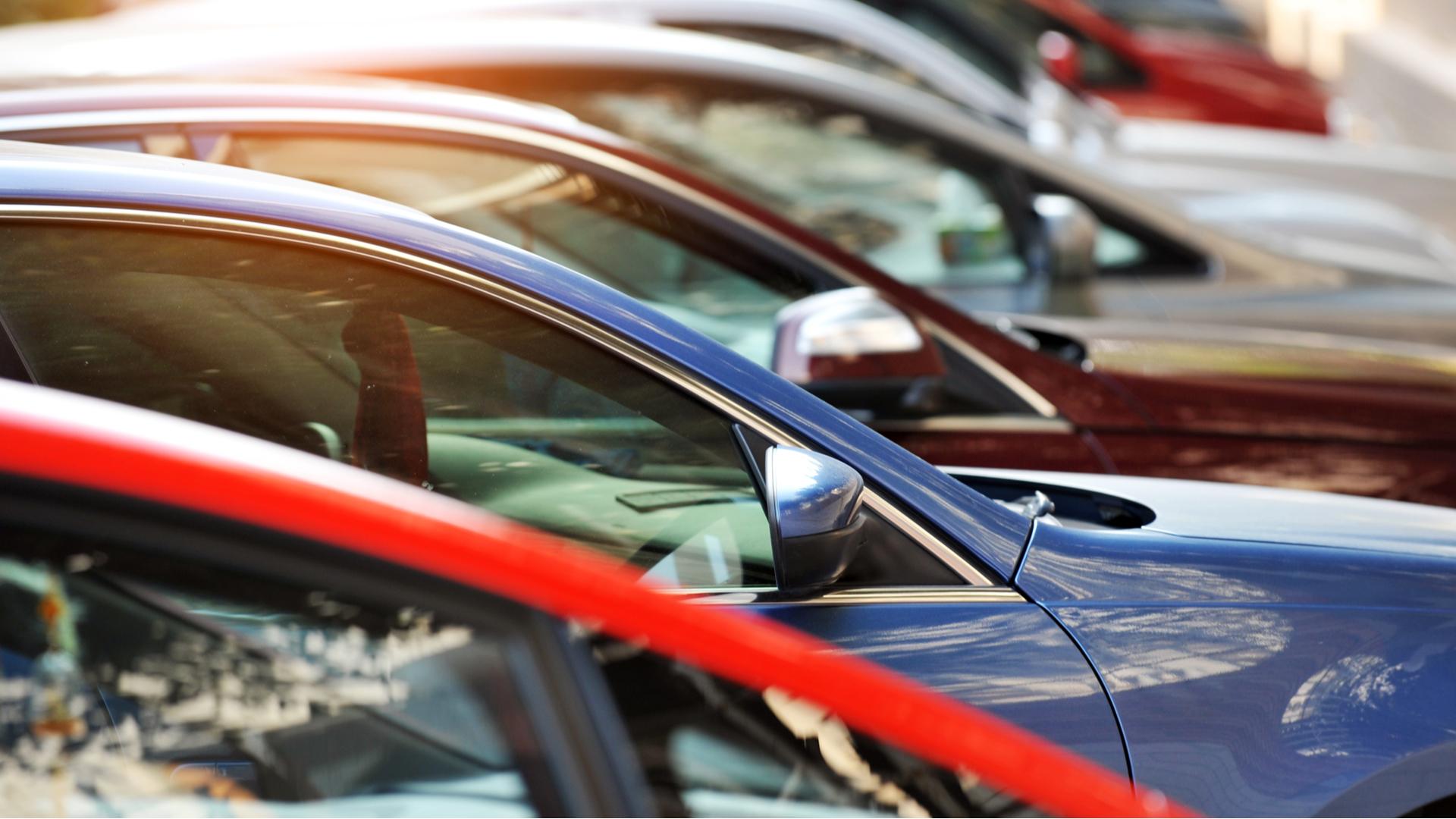 mercado de automoveis carros caoa shutterstock 611533595