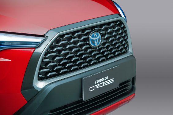 17 toyota corolla cross hybrid 2022