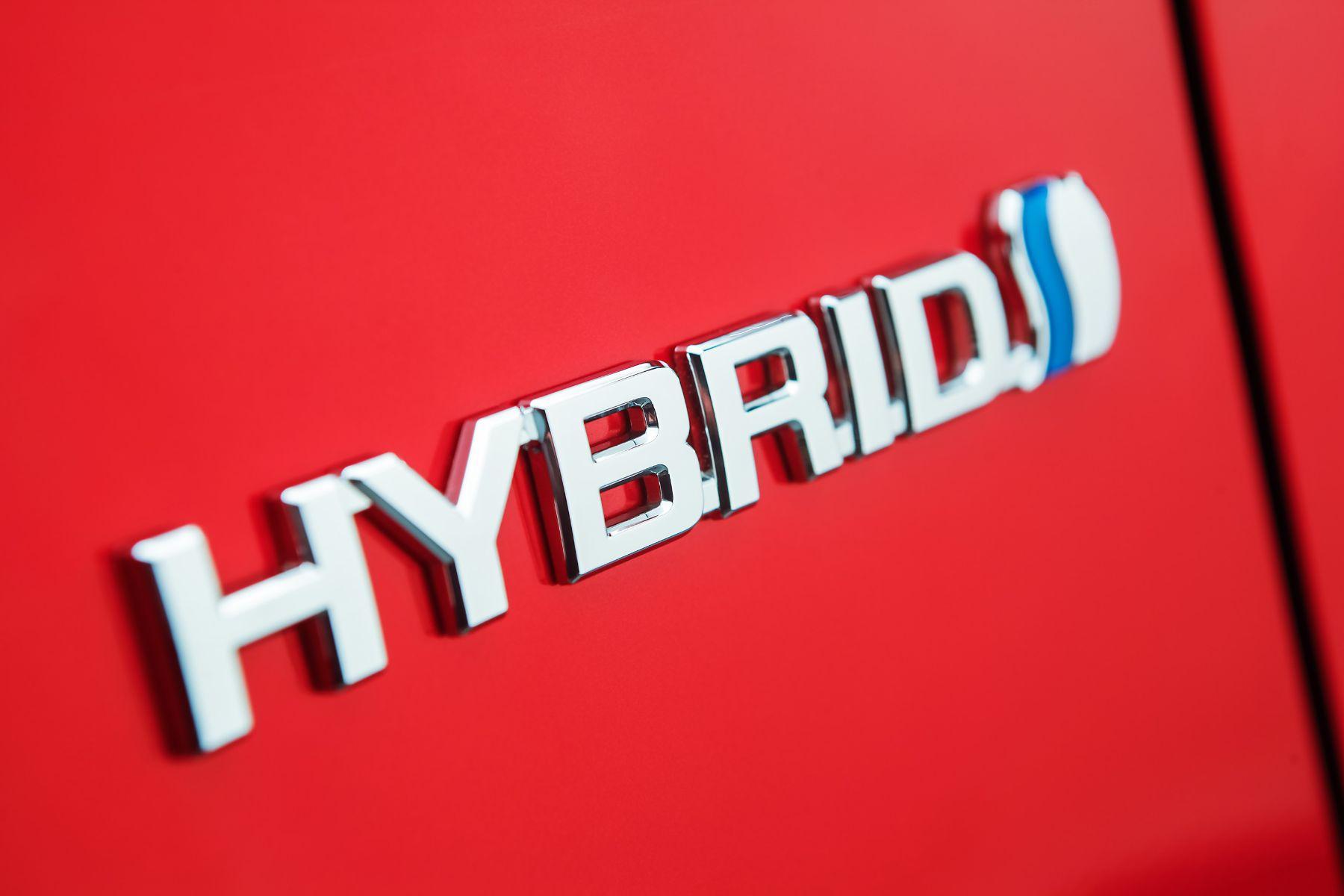 23 toyota corolla cross hybrid 2022