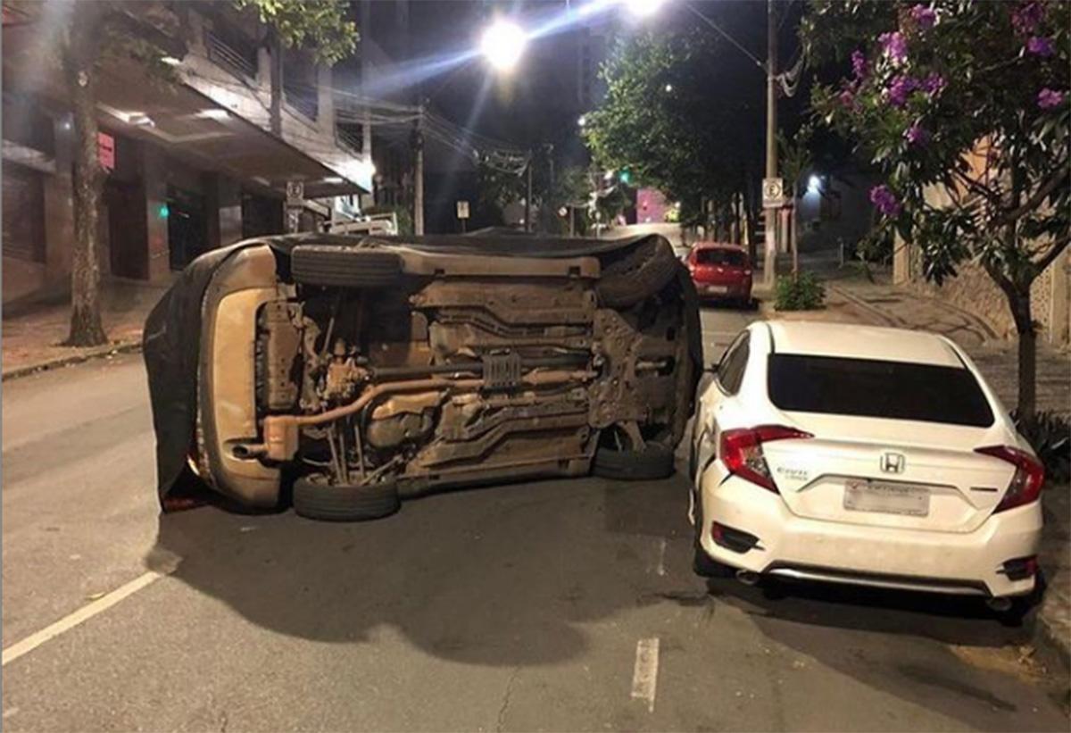 acidente suv jeep capota em belo horizonte