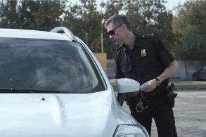 Motoristas são presos nos EUA por encararem patrulheiros