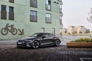 Pré-venda do Audi RS e-tron GT começa neste mês