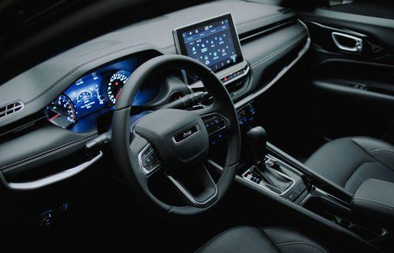 interior do novo jeep compass serie especical 80 anos