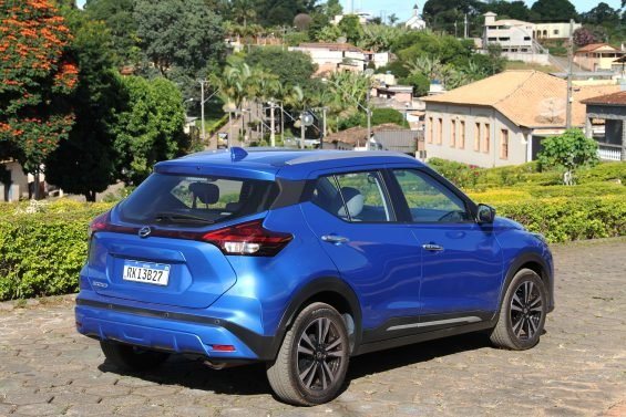 nissan kicks exclusive 2021 azul traseira foto alexandre carneiro autopapo 4911