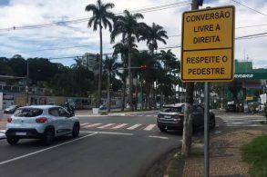 Nova Lei de Trânsito permite 'furar' sinal vermelho? Não é bem assim...