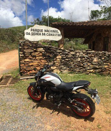 yamaha mt 07 canastra 12 entrada do parque nacional da serra da canastra