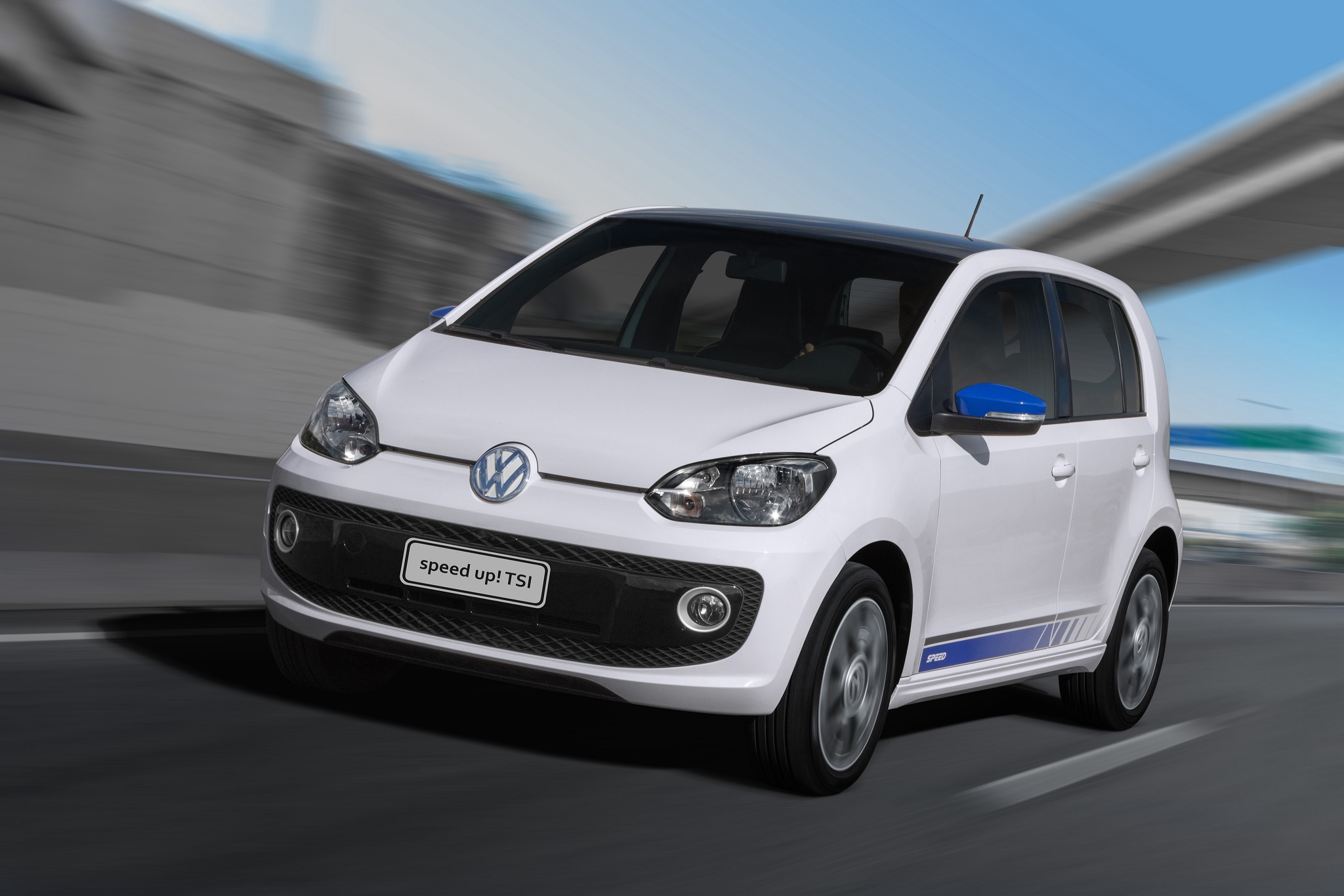 vw speed up tsi branco de grente em movimento