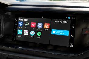 À espera de reestilização, Polo ganha VW Play na linha 2022