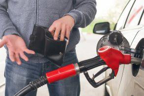 Gasolina e diesel vão ficar até R$ 0,24 mais caros a partir desta terça (26)