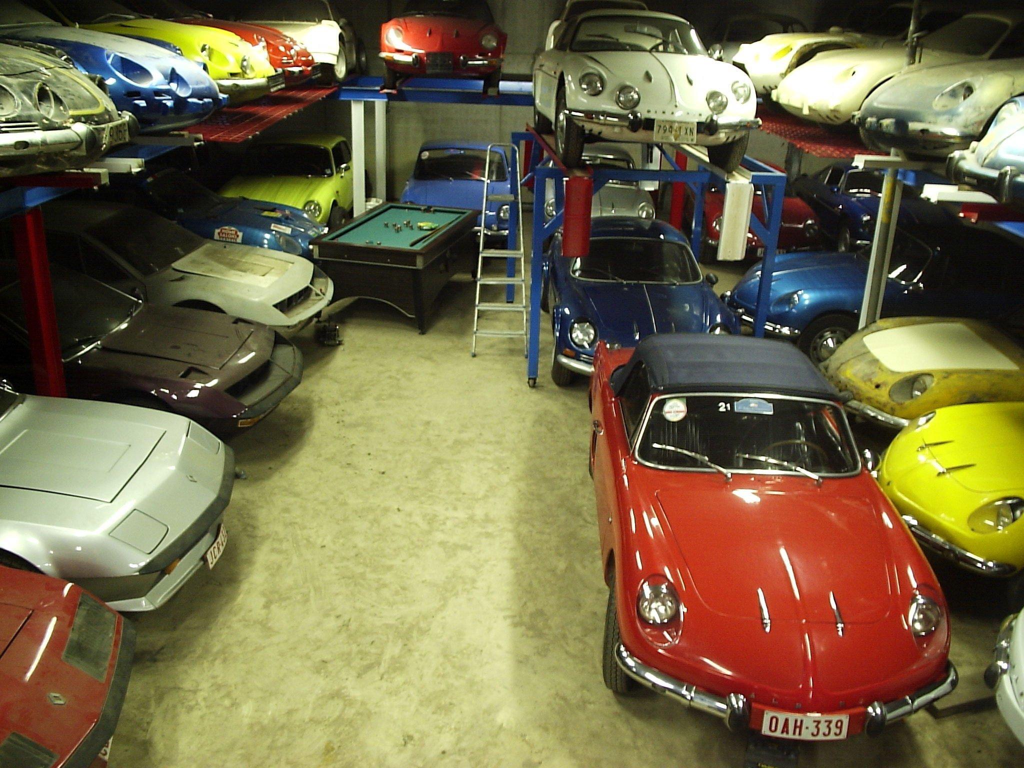 garagem com colecao de carros alpine na belgica jason vogel exclusivo