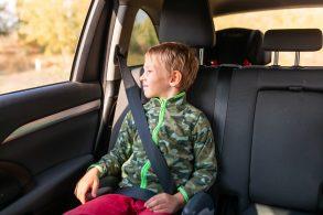 Atenção, mamãe: nova regra não garante a segurança das crianças no carro