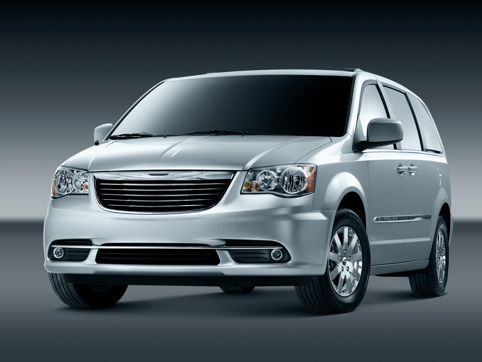 chrysler town country 2011