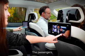 Em parceria com Foxconn, Stellantis revoluciona interior dos veículos