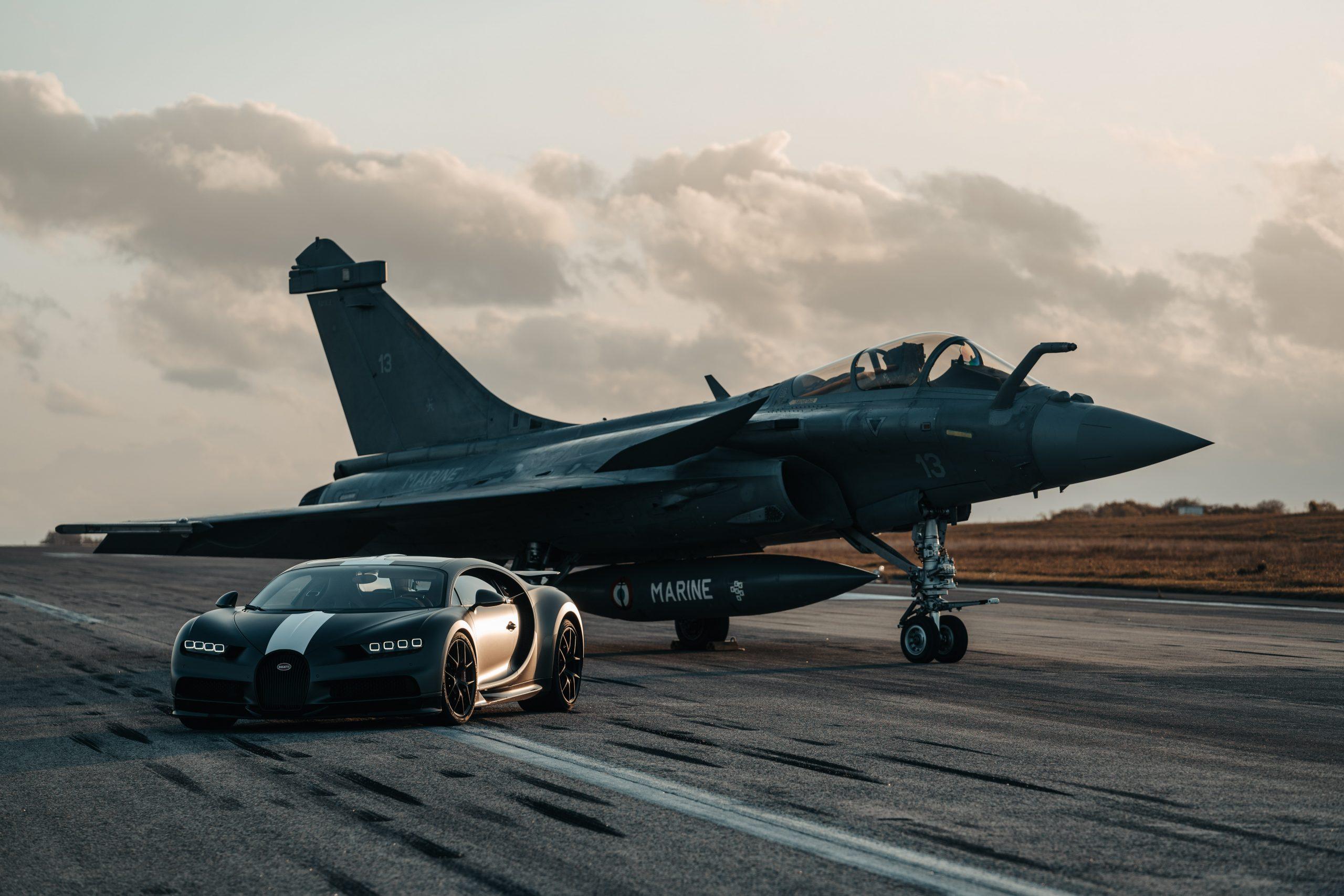 Bugatti Chiron e Dassault Rafale Marine