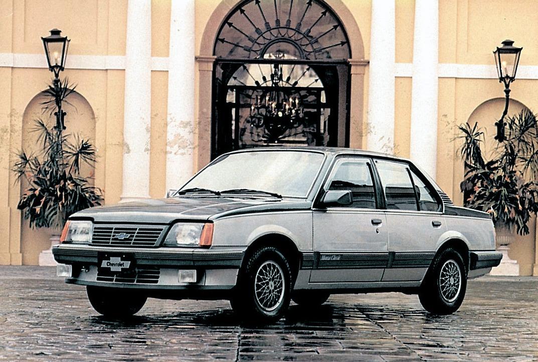chevrolet monza classic 1987