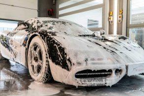 Detailing: como é lavar um carro de mais de R$ 120 milhões