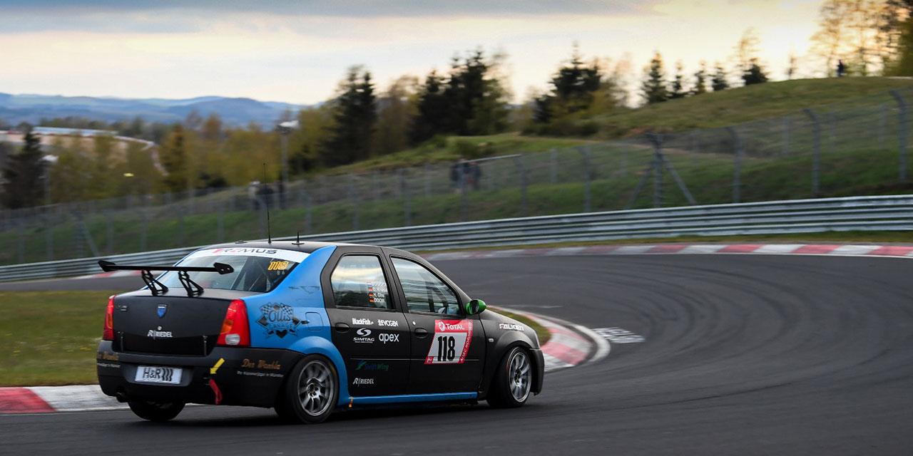 Dacia Logan termina as 24 horas de Nurburgring
