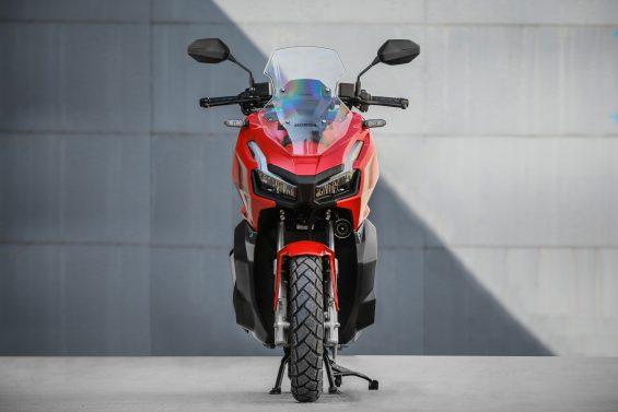 scooter honda adv 150 impressoes 8
