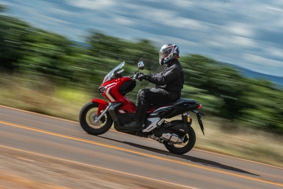 scooter honda adv 150 impressoes 10