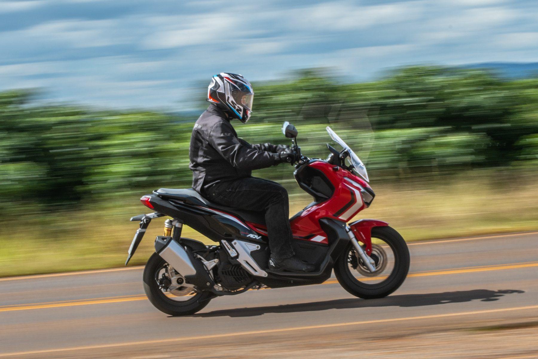 scooter honda adv 150 impressoes 11