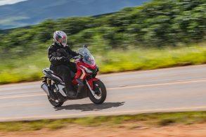 Honda ADV 150: scooter aventureiro é urbano e terráqueo
